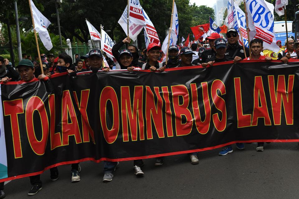 Demo Omnibus Law