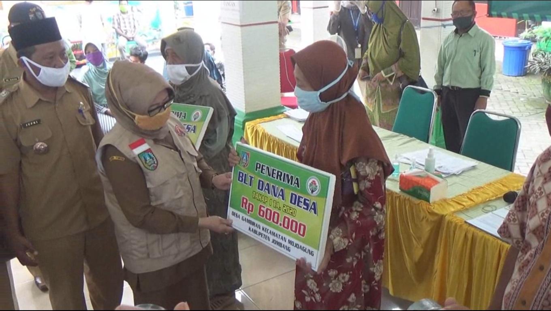 Bupati Jombang Pantau Penyaluran BLT Dana Desa