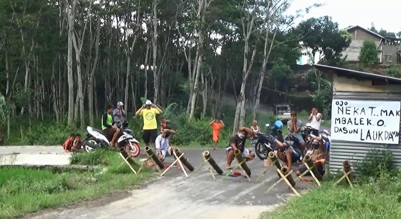 """""""Lauk Daun"""" dengan Meriam Bambu"""