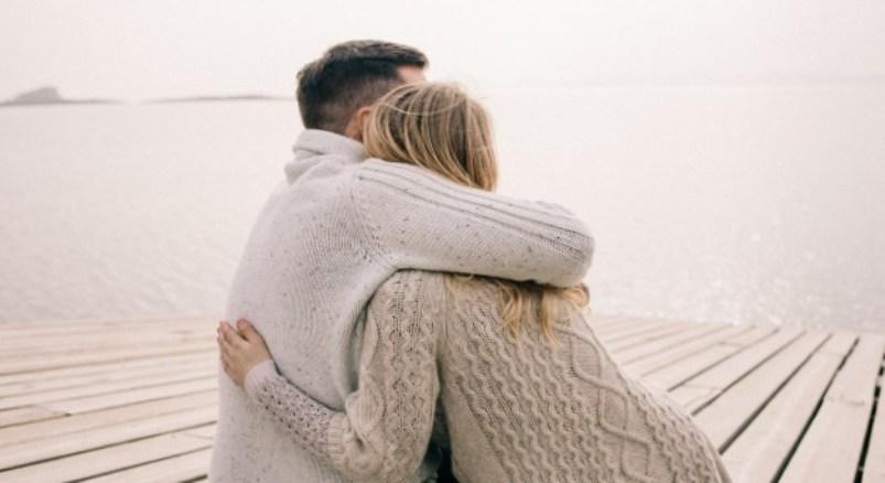 Peluk Pasangan Bisa Sehatkan Jantung