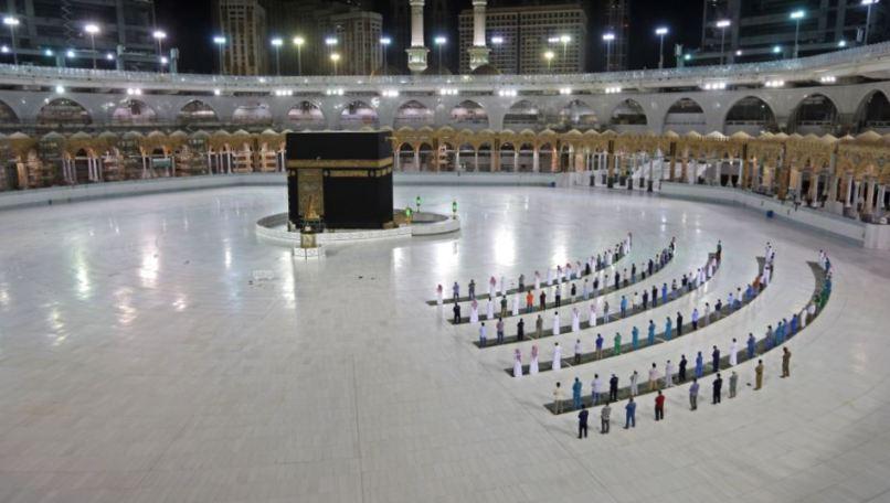 Jamaah Haji Hanya Boleh Minum Air Zamzam