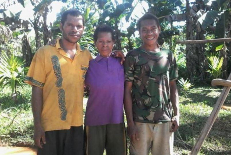 Kisah Anak Papua Mengangkat Harkat Keluarga (2)