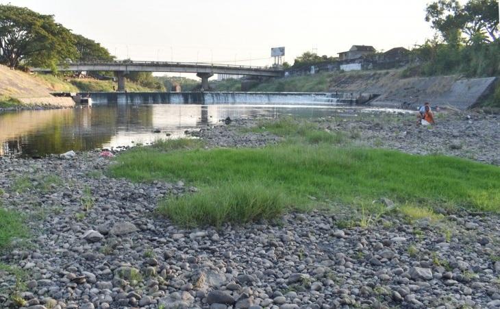 Sungai Madiun Mengering
