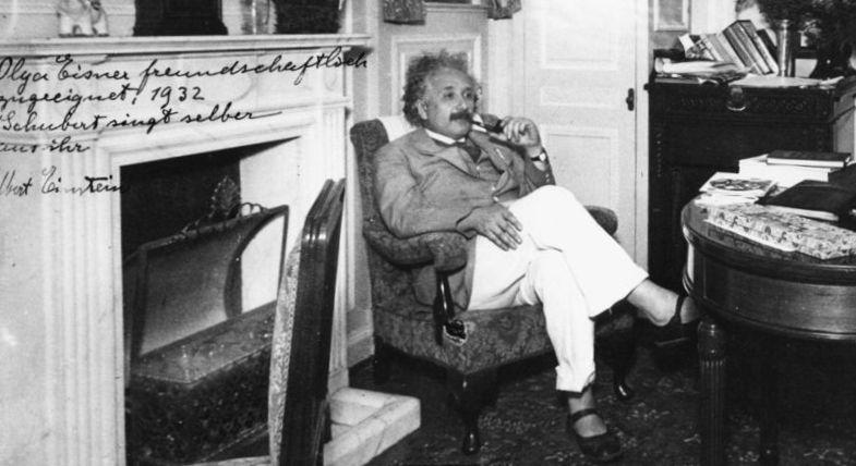 Mengurai Kebiasaan Nyeleneh Albert Einstein (5-Habis)