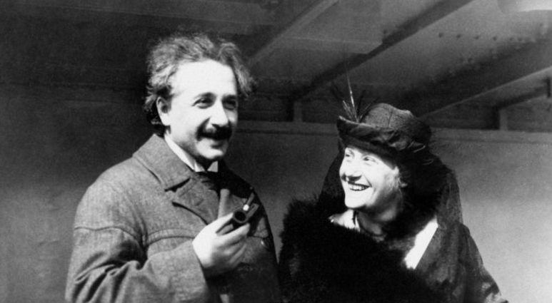 Mengurai Kebiasaan Nyeleneh Albert Einstein (4)
