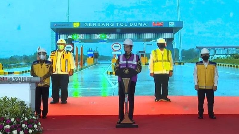 Jokowi Resmikan Tol Pekanbaru-Dumai dari Bogor