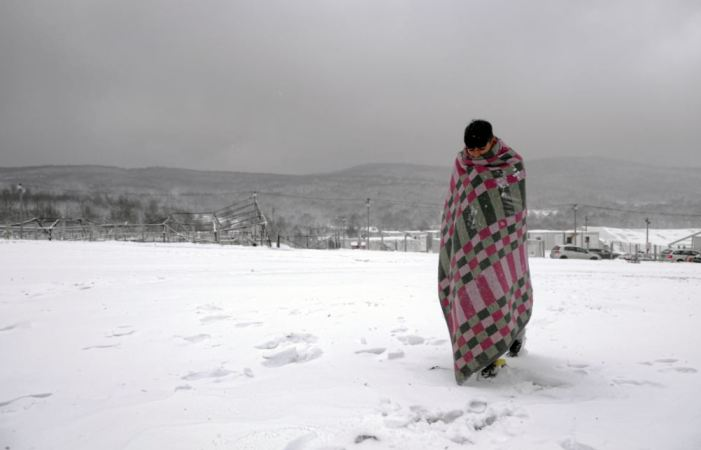 Berjalan di Atas Salju