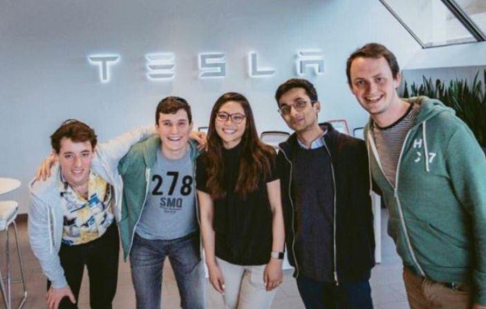 Srikandi RI Ikut Garap Swakemudi Tesla (1)