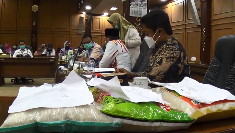 DPRD Sidoarjo Soroti Pendamping Bansos Nakal