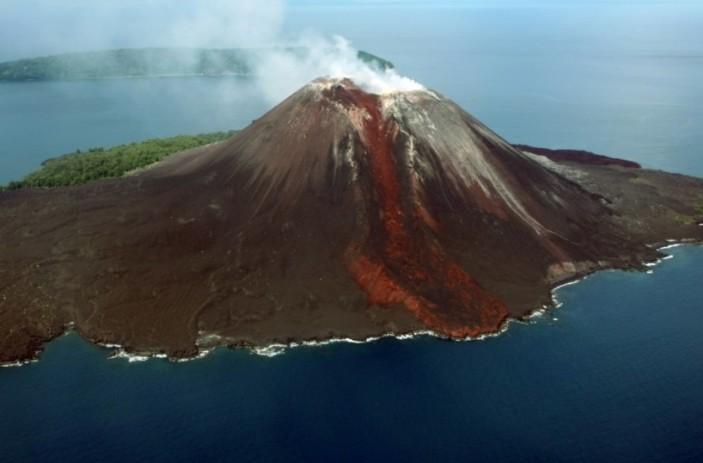 12 Gunung Berpotensi Picu Tsunami