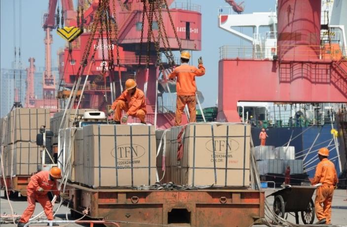 Ekspor Tiongkok Lampaui Ekspetasi