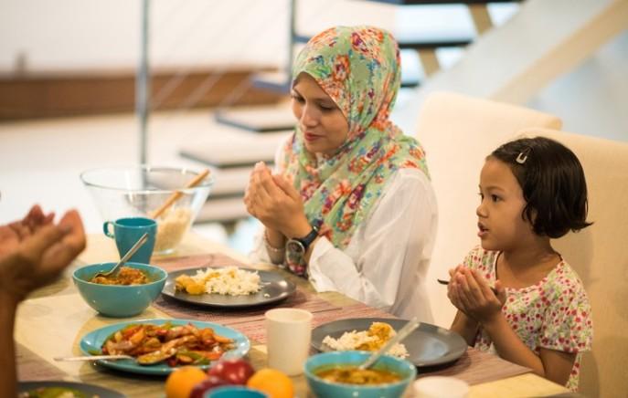 Adab Makan dalam Islam